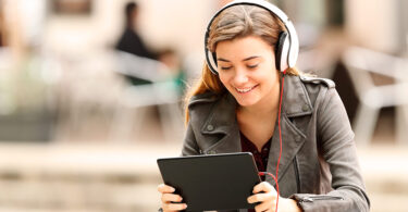 O-Clubhouse-e-uma-rede-social-com-foco-na-comunicação-por-voz